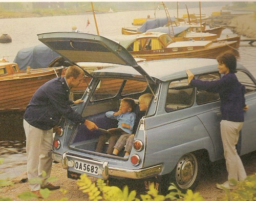 reetroo:  Kids in the back of a Saab 95s