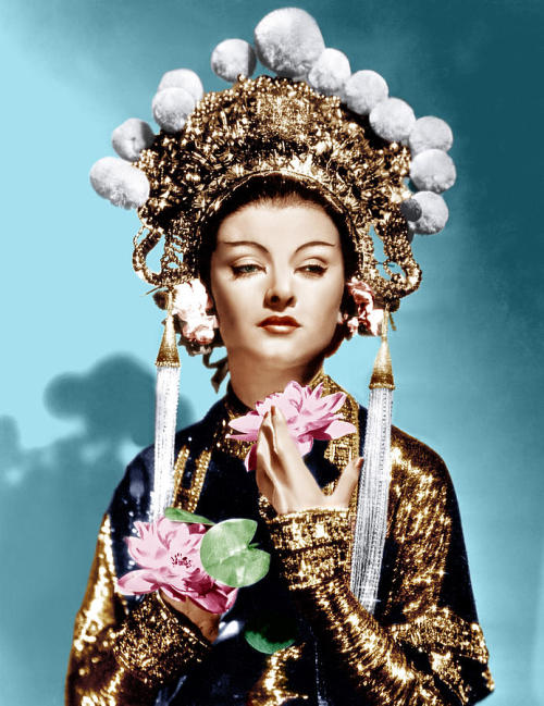 miss-flapper:  Mynra Loy in a colour publicity photo for The Mask of Fu Manchu, 1932.