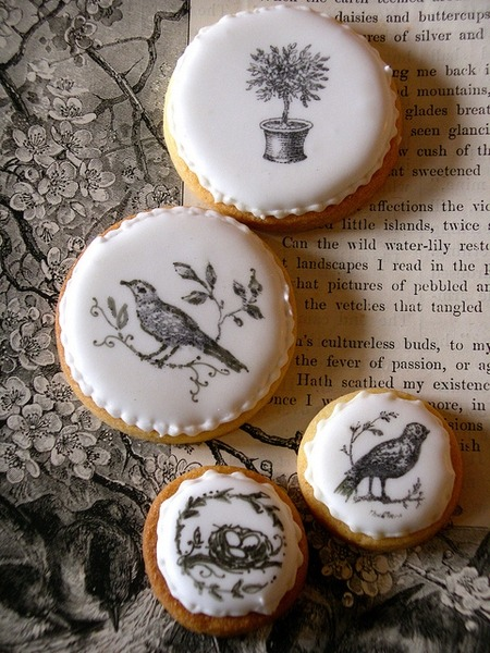 Rubber stamped cookies with edible ink … Lovin' these cookies with a nature theme!