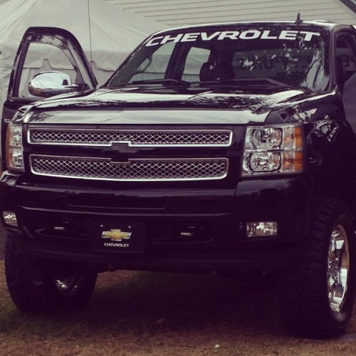 sealingitwithakiss:  Uhm I want now. #chevy #silverado #black😍❤🚘 (Taken with Instagram)