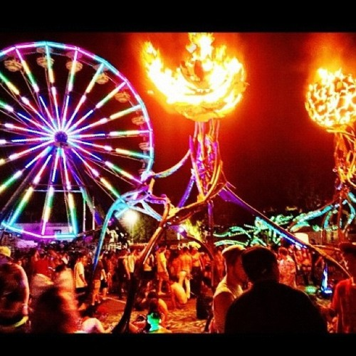 hot like sauce #pyro #nocturnal #wild #ferriswheel #thecolors (Taken with Instagram)