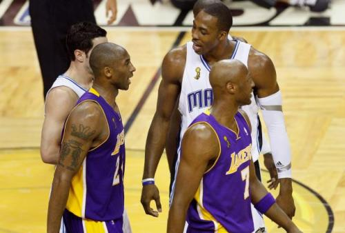 Kobe Bryant's Chat with Dwight Howard You've gotta see what these two chat about now that they're teammates.