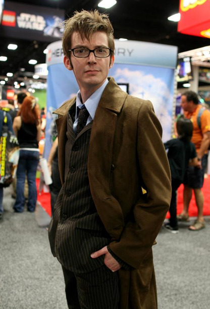 cabbage-patch-adults:  doctorwhocosplaywatch:  This is a cosplayer. Yeah i'm skeptical too.  HOW