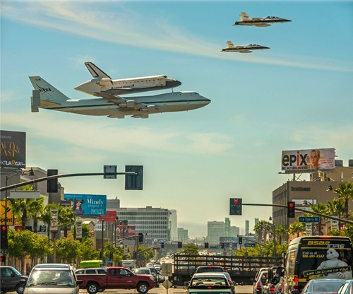 thedailywhat:  Epic Space Shuttle Shot of the Day: Endeavor does Los Angeles. [apod]