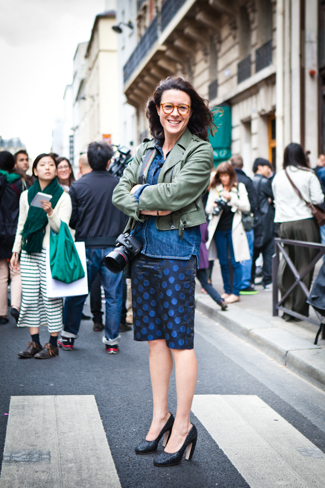 Garance Doré after Dries van Noten and outside the Grand Palais, discussing important 'Pardon my French' ? subjects with Tommy Ton in Paris today. I love this outfit, it's easy yet so well put together, love the polkadot skirt, the Miu Miu shoes and her new glasses ! Oh, and the fact that she is wearing her hair lose again. I follow Garance's blog pretty much every day, it is amazing how far she has come and I think she is constantly challenging the direction blogs are taking, especially with the use of video. Yet, it's a bit crazy how many social media options are on the blogs now, do we need to use all the pinterest, twitter, instagram etc etc ? Well, an honest question as I am working on getting more connected myself, I love the options but let me just say they are time consuming and where is it gonna go ? I love reading my daily blogs, I used to watch tv, now I browse on the internet, but none of that replaces face time with a good friend and I need to remind myself sometime to make more time for that !