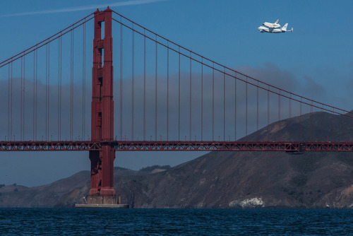 tropicalism:  Endeavor Over Golden Gate by spencer341b on Flickr.