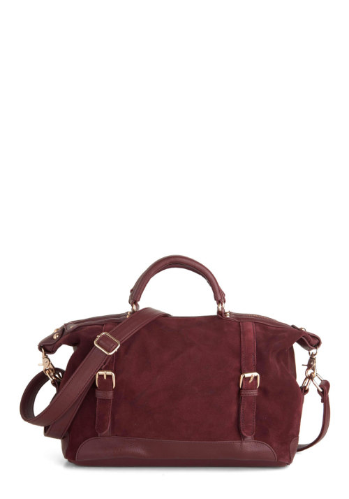 Today we're celebrating our favorite color for fall: Bordeaux! Shop the Ask for Maroon Bag.