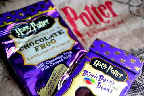 Sweet Treats [09.27.12] From Harry Potter: The Exhibition, courtesy of my uncles. (Thank you again for the pasalubong!) Already tore the plastic off the box of Bertie Bott's Every Flavor Beans, but I haven't eaten any yet. Nor have I dared to tear open the Chocolate Frog. But don't worry. I will. Soon. (Hmm, I wonder who's on my Wizard Card…)