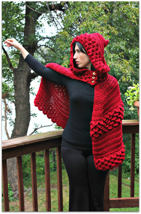 bonitapatterns:  Here is the newest pattern from the Bonita Patterns Crochet Shop, the Crocodile Stitch Hooded Cape! And now get 20% off at the shop with coupon code FALL20 What do you guys think?