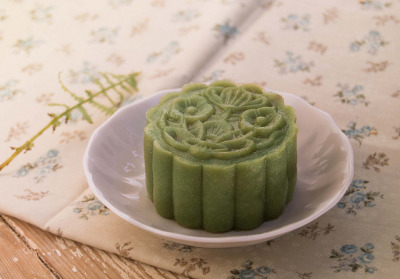 matcha&azuki snowskin mooncake by Silivren on Flickr.