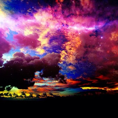 reganssecrets:  Just edited this. I love it. <3 #high #space #clouds #neon #trippy (Taken with Instagram)