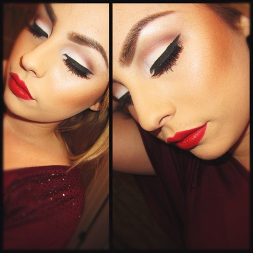 comeoncloserxo:  Marilyn inspired❤ #marilynmonroe #maccosmetics #ilovemaciggirls #makeup #red #lips   (Taken with Instagram)