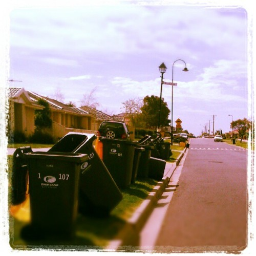 #Windy #Day in #Sydenham ; #Bins #Art #Road #Roadside #Brimbank #grass #Landscape #Love #Instalikes #Instagood #Bestoftgeday #Clouds #Sky #Blue #House #IGDaily #Haveaniceday  (Taken with Instagram at Sydenham (Suburb))