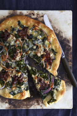 Homemade Pizza with Kale, Caramelized Red Onion, Bacon and Gorgonzola