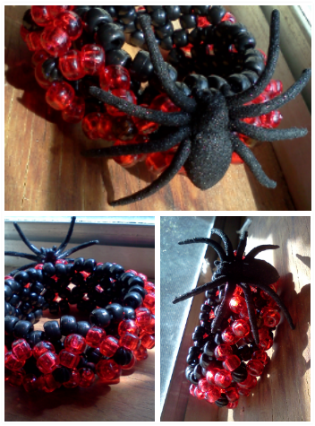 another simple halloween inspired 3d. the spider sparklessss!  I call it 'the black widow' cause the X's remind me of an hourglass. :o