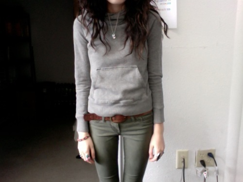 mind-the-thigh-gap:  follow for thigh gaps.