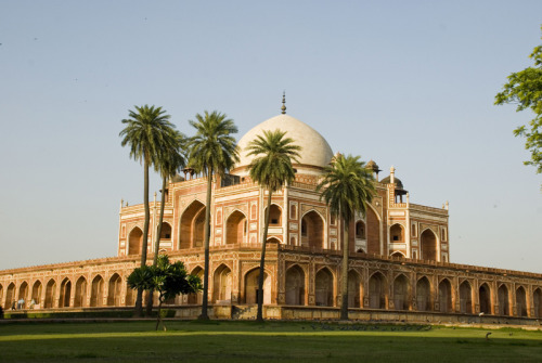 (via Humayun Tomb, Delhi, a photo from Delhi, North | TrekEarth) New Delhi, India