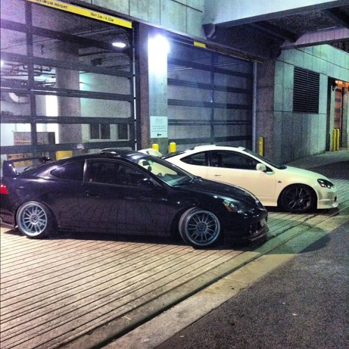 Black & white #dc5 #integra #rsx #honda #acura #jdm #properstatus #instagram #iphone4 #typeR #photoshoot  (Taken with Instagram)