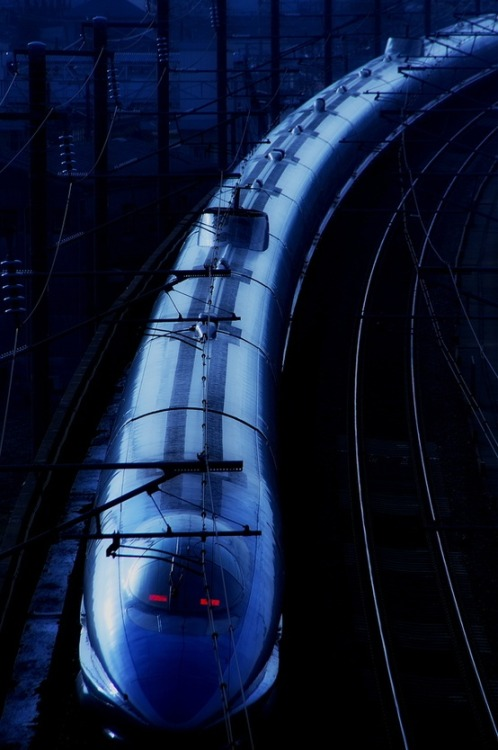 sashastergiou:  shinkansen,japan,train