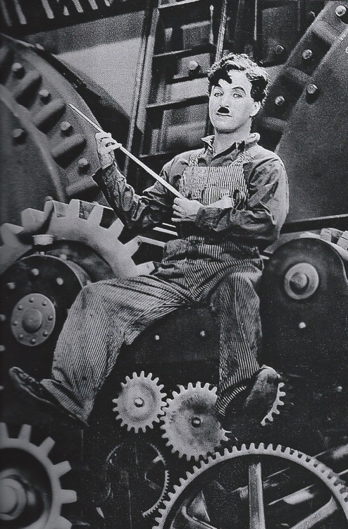chaplinfortheages:  aladyloves:  Charlie Chaplin in Modern Times (1936)  Nice close up Charlie.