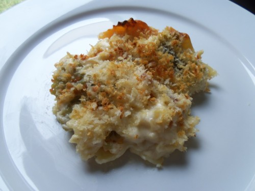 macaroni and cheese with bacon and crispy panko topping