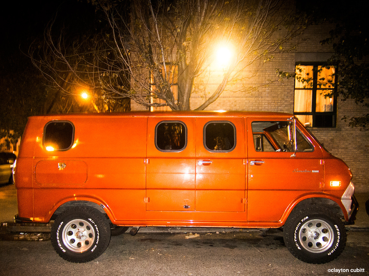 Orange molester van, Brooklyn   (4184)