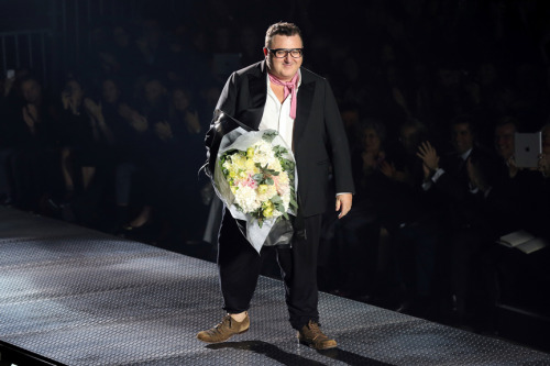 Alber Elbaz, taking a bow at Lanvin S/S 13.