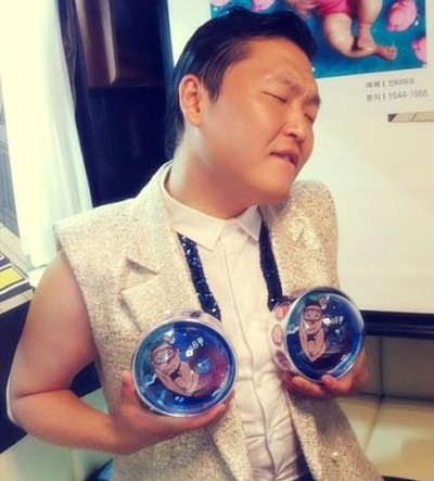 polishtamales:  PSY's response to his Youtube view count.