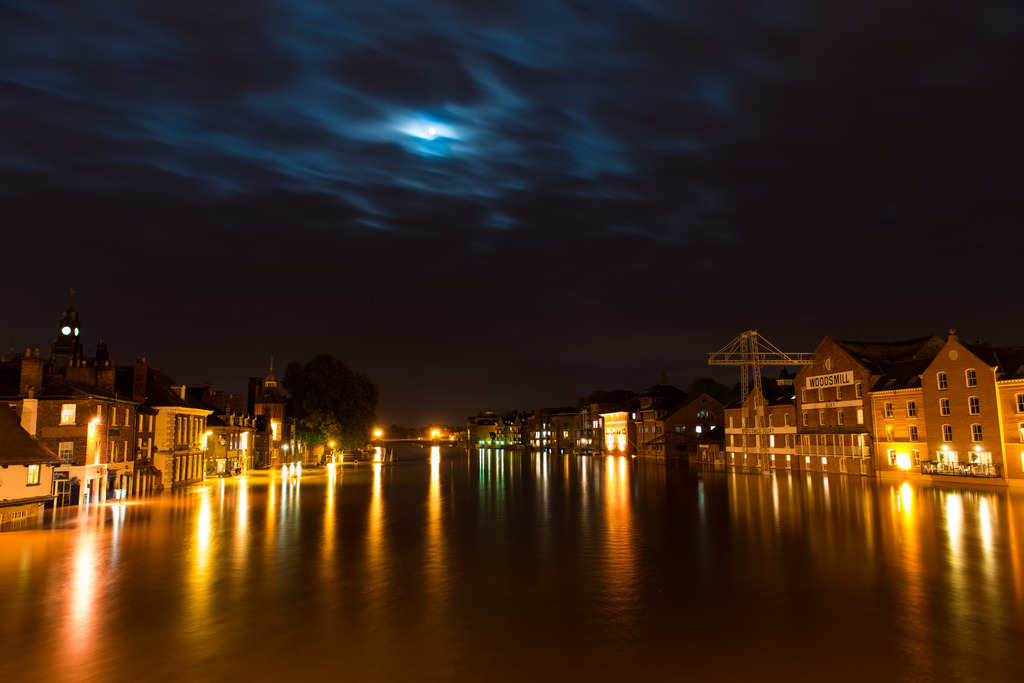 Stunning photo from Ouse Bridge of flooded York by night, you can just make out the Kings Arms with the water lapping at the top of the windows and the Lowther on the left. It's looking like the peak height has been reached now which was over 5metres above normal levels, would have loved to head into town this weekend to get some snaps but I think we'll start to see levels dropping now. I hear there's quite a few pubs and businesses riverside that will still be closed for a few days with the clear up, so if you're heading into York best to check what's open first. Credit: Ben Bently.