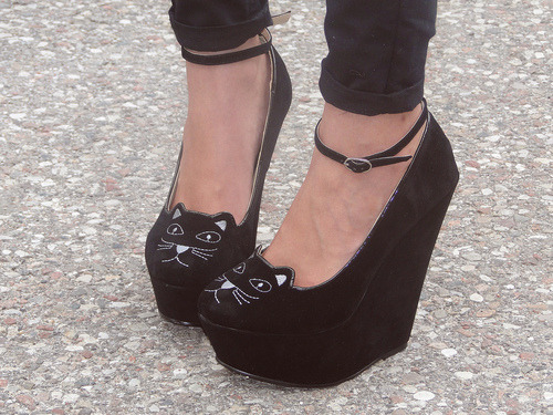 OMG. I want these.. so bad. Cutest shoes ever.