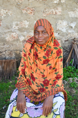 mollyinkenya:  Mama Mariam, one of my Msambweni aunts. Photography by mollyinkenya.