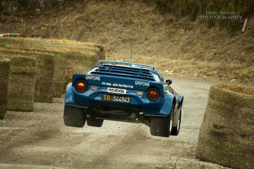 spdcrzy:  (by Dani Nicola Photography)  Lancia Stratos taking off