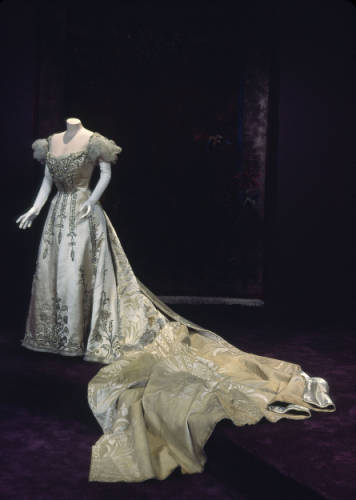 Court Presentation Dress Charles Fredrick Worth, 1892 The Chicago History Museum