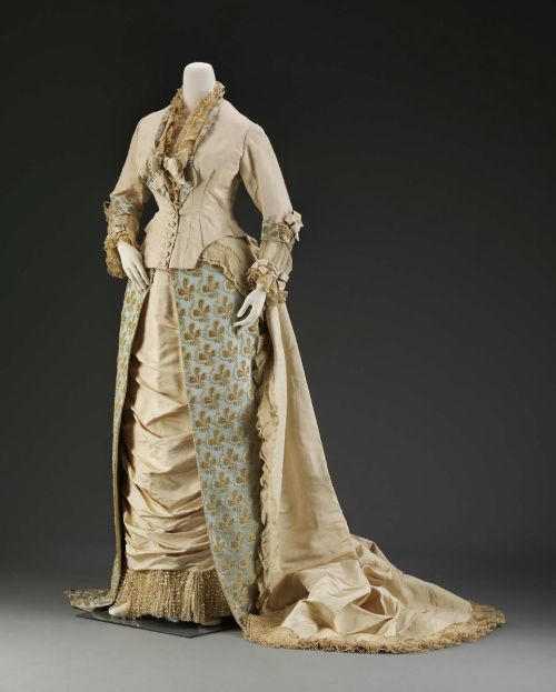 Dress Charles Fredrick Worth, 1880 The Museum of Fine Arts, Boston