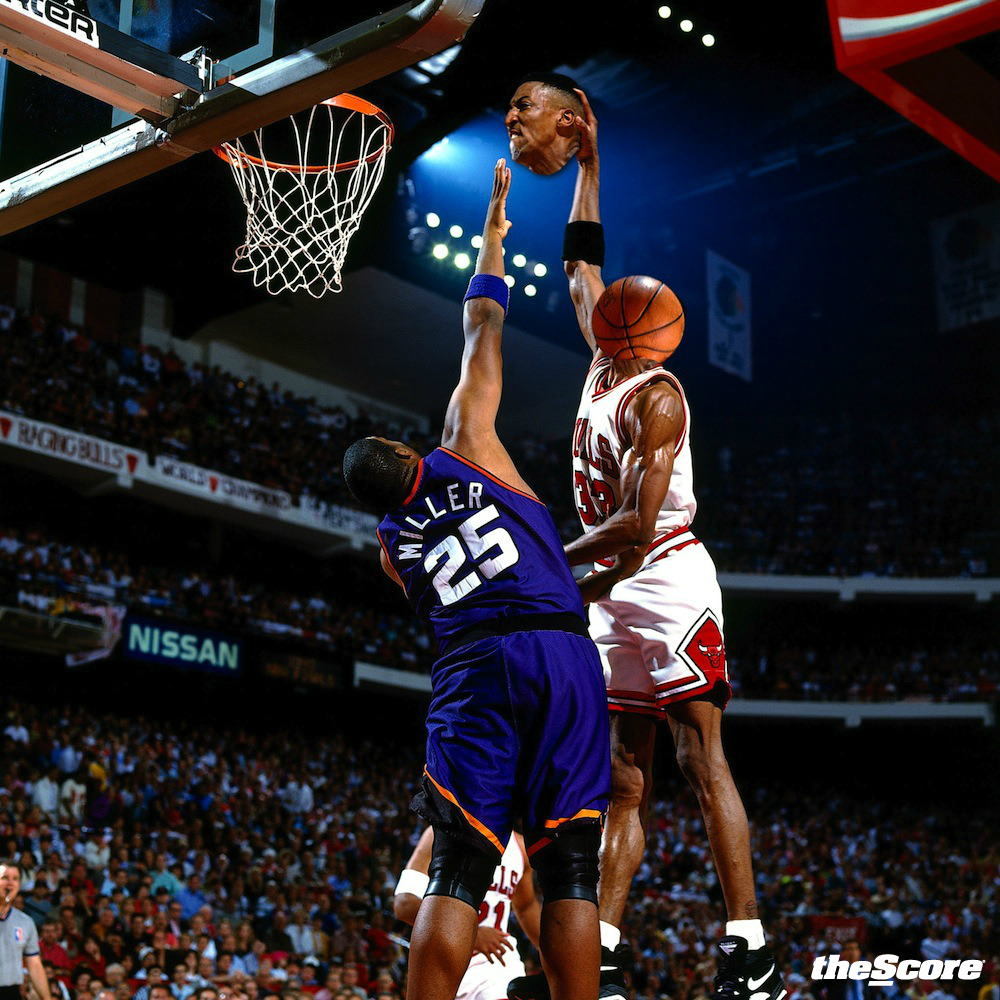 Scottie Pippen can fly higher than Oliver Miller… It's no contest.