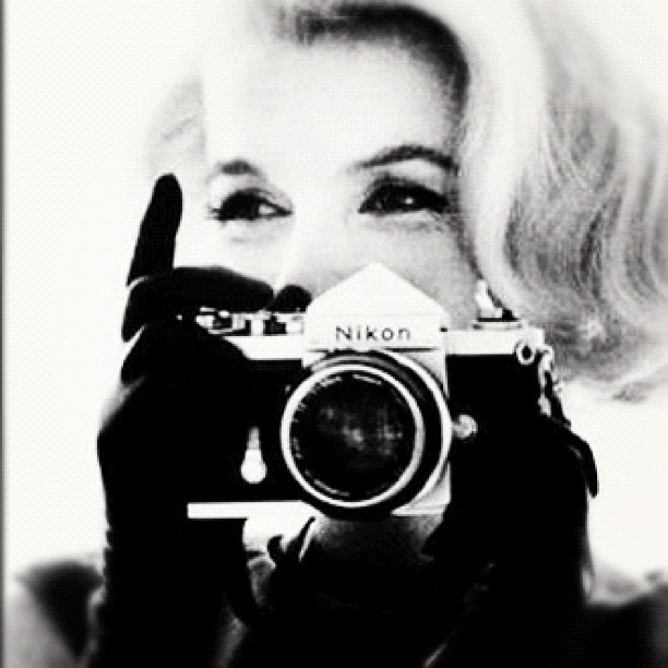 😍 Makes Me Want A Nikon 😍☺ #marilynmonroe #nikon #vintage #sweet #pretty #photo  (Taken with Instagram)