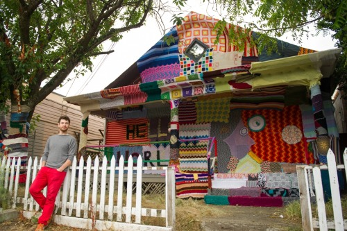 paulagold:  Yarn Bombed House - Seattle
