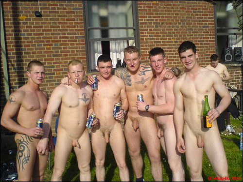 enjoyexhibitionists:  worldssexiestarmyguys:  ukmilitarymen:  These guys seem to be from parachute regiment   Http://www.worldssexiestarmyguys.tumblr.com To submit pictures send them to: worldssexiestarmyguys@yahoo.co.uk you can send a collection or individual images - tell us any information you wish to share (Age, Location, Reg., Country etc) or be Anon.     Enjoy my new blog to enjoy exhibitionists - but not name them (Well … not yet.  http://www.tumblr.com/blog/enjoyexhibitionists  Follow me and I will do the same.