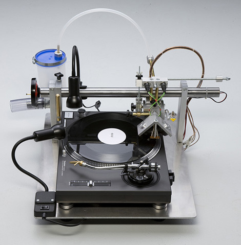 Record your own vinyl records at home with the VinylRecorder T560. (via VinylRecorder T560 | iainclaridge.net)
