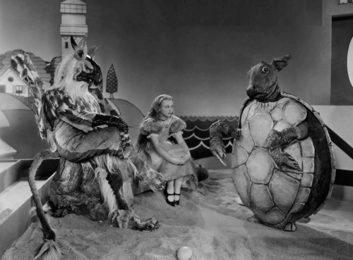 cinemagreats:  Alice in Wonderland (1933) - Directed by Norman Z. McLeod