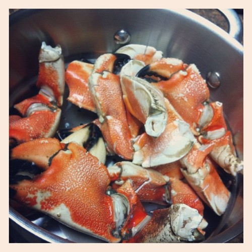 Cookin late night crab claws for my baby @juliemurray13 cause I love her. #teammurray #seafood #crab #yummy #goodeats (Taken with Instagram)