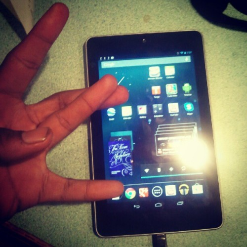 BEST DEVICE IM THE WORLD LOVE MY NEXUS 7 ))))) (Taken with Instagram)