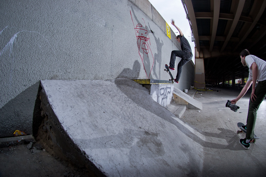 billy mcfeely - switch nosegrind
