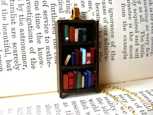 bookporn:  Antique Bookshelf Necklace by Coryographies