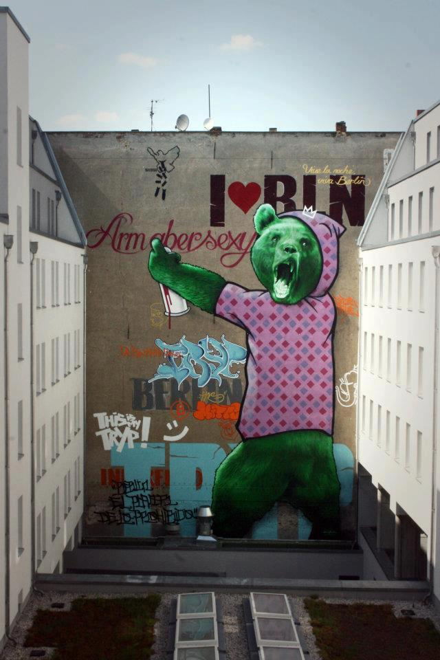 A rather strange concoction of a semi-realistic graffiti-spraying bear and typographic text! By Innerfields in Berlin; image courtesy of Graf. & Street Art.