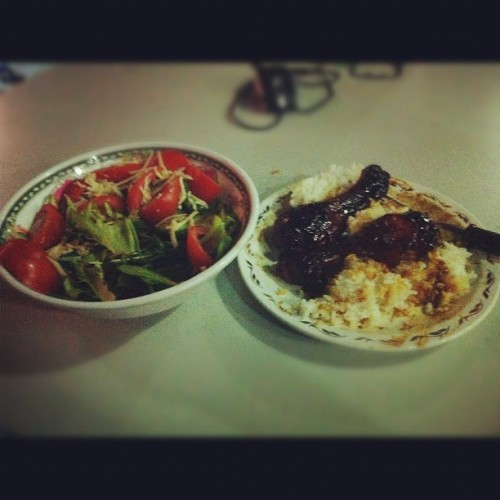 Haha my healthy-wise dinner :') #healthy #dinner #chicken #rice #salad #delicious  (Taken with Instagram)
