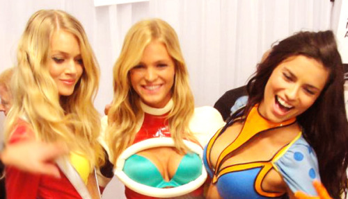 adriswings:  Adriana,Erin and Lindsay! Superangels