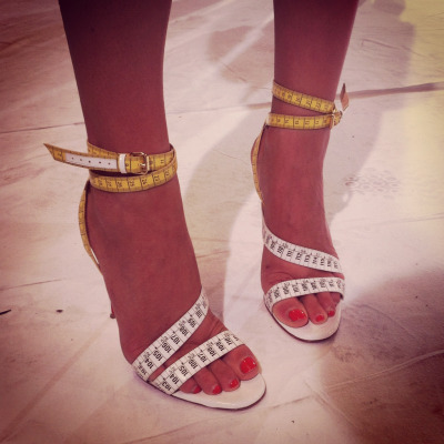 HEEL WATCH: @elisanalin's sandals measure up at Hussein Chalayan #PFW