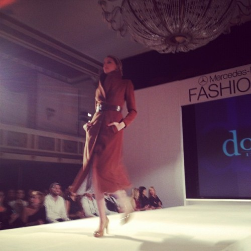Loved this look from Dowry Design, perfect for Fall #mbbfw #DowryDesign  (Taken with Instagram at Statler City )