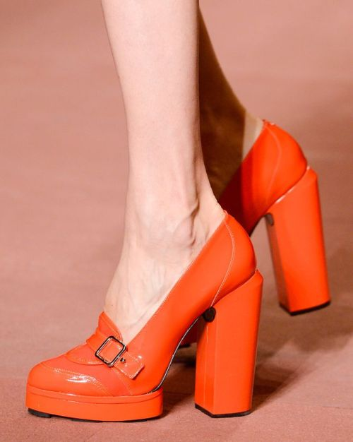 I want these shoes by Carven!